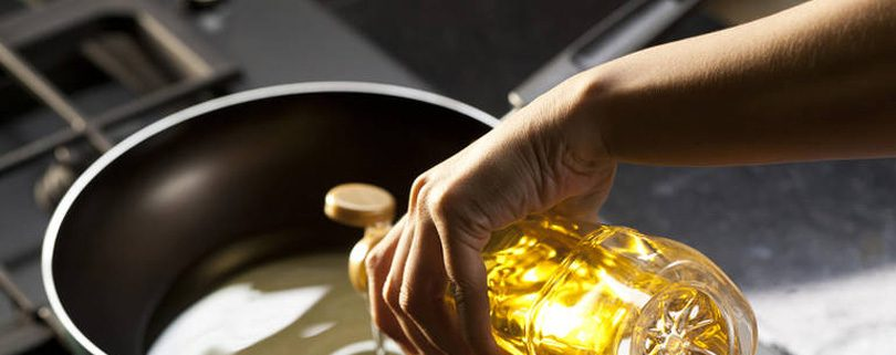 Important-tips-for-cooking-with-oil